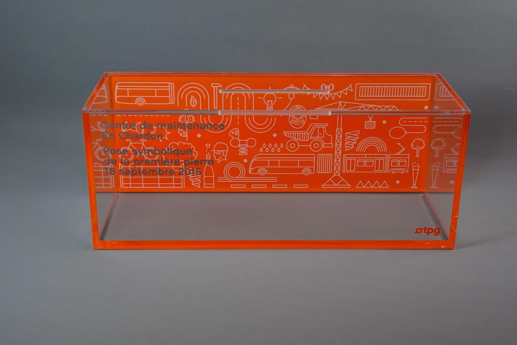Capsule temporelle en verre acrylique